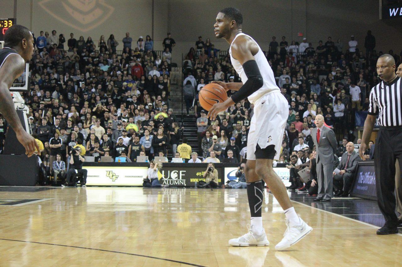 Gallery: UCF Men's Basketball falls to Cincinnati 49-38